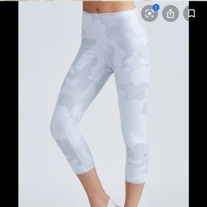 High waisted white camo Alo leggings